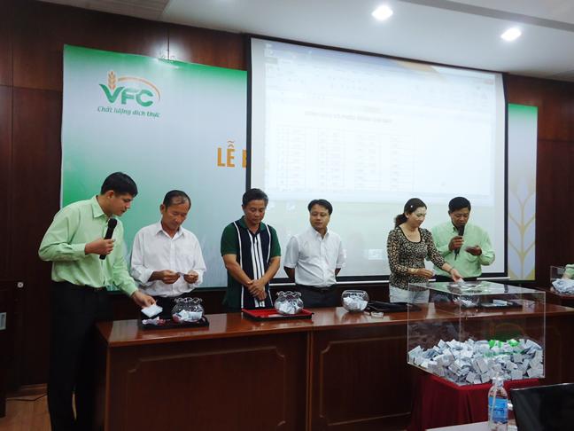 Lễ Bốc Thăm Trúng VFC năm 2012 Dành Cho Quí Khách Hàng Nông Dược